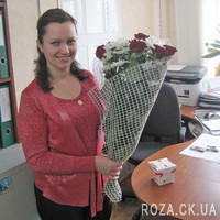 Nice bouquet of roses and chrysanthemums - Photo 2