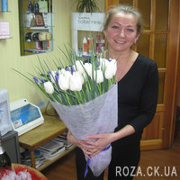 Bouquet of white tulips and irises - Photo 2