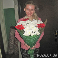 Bouquet of gerberas and daisy chrysanthemums - Photo 4