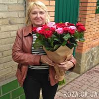 Букет із рожевих і червоних троянд - Фото 1