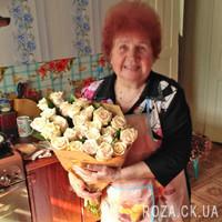 Bouquet of cream roses - Photo 1