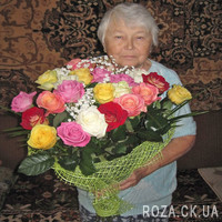 Bouquet of different color roses - Photo 1