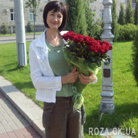 Wonderful bouquet of red roses - Photo 1