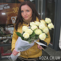 Cascade bouquet of white roses - Photo 7