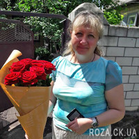 Beautiful bouquet of 11 red roses - Photo 1