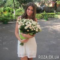 Красивый букет из кустовых роз - Фото 1