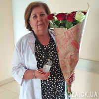 Beautiful bouquet of roses with delivery - Photo 1