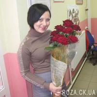Красные розы в целлофане - Фото 2