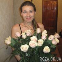 Кремовые розы в букете - Фото 2