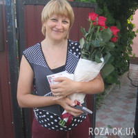 Trendy bouquet of red roses - Photo 1