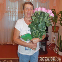 Delicate pink roses - Photo 1