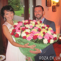A huge bouquet of roses - Photo 1