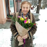 Funny bouquet of freesias - Photo 1