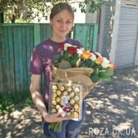 Bright bouquet of 51 roses - Photo 1