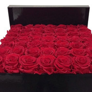 Red roses in a square box - flowers and bouquets on roza.ck.ua
