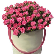 Pink bush roses in a box - flowers and bouquets on roza.ck.ua