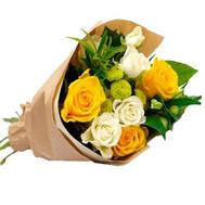 Весёлый букет из роз и хризантем - цветы и букеты на roza.ck.ua