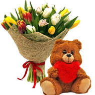 """15 tulips and a bear"" in the online flower shop roza.ck.ua"