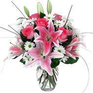 Bouquet of lilies and roses - flowers and bouquets on roza.ck.ua