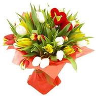 Букет тюльпанов с сердцем - цветы и букеты на roza.ck.ua