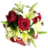 Небольшой букет из роз и лилий - цветы и букеты на roza.ck.ua