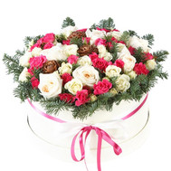 """New Year's composition in a hat box"" in the online flower shop roza.ck.ua"