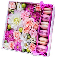 Square box with flowers and pastries - flowers and bouquets on roza.ck.ua