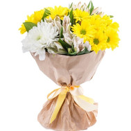 Bouquet of yellow chrysanthemums and white alstroemeria - flowers and bouquets on roza.ck.ua