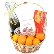 Gift basket with champagne - flowers and bouquets on roza.ck.ua
