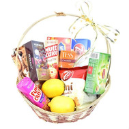 Gift basket with sweets and tea - flowers and bouquets on roza.ck.ua