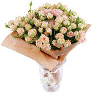 Bouquet of creamy bush roses - flowers and bouquets on roza.ck.ua