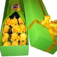 Yellow roses in a box - flowers and bouquets on roza.ck.ua