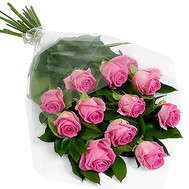 Cascading bouquet of 11 pink roses - flowers and bouquets on roza.ck.ua