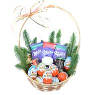 """Кошик з шоколадом і солодощами кіндер"" в интернет-магазине цветов roza.ck.ua"