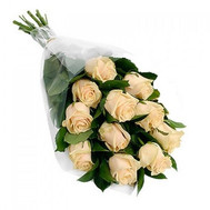 Cascade bouquet of 11 cream roses - flowers and bouquets on roza.ck.ua