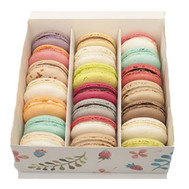 Buy a box with macaroons in Cherkassy - flowers and bouquets on roza.ck.ua