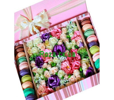 """Flowers and macaroons in a rectangular box"" in the online flower shop roza.ck.ua"