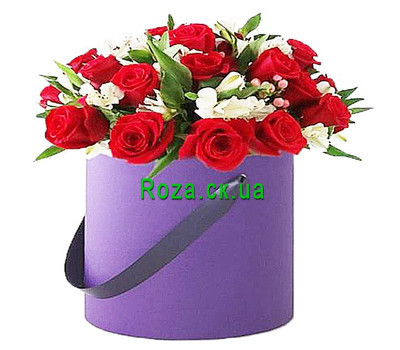 """Flowers in a Hat Box"" in the online flower shop roza.ck.ua"