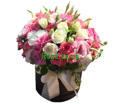 """Amazing bouquet in a hat box"" in the online flower shop roza.ck.ua"