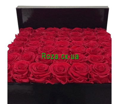 """Red roses in a square box"" in the online flower shop roza.ck.ua"