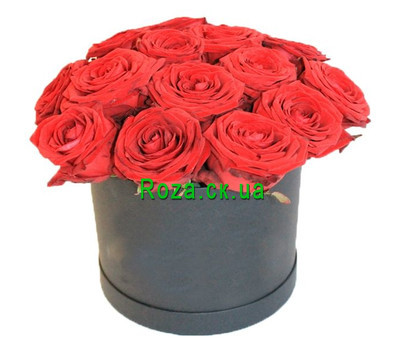 """""""Красные розы в низкой коробке"""" в интернет-магазине цветов roza.ck.ua"""
