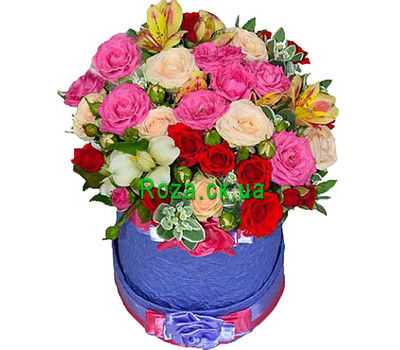"""Bright round box with flowers"" in the online flower shop roza.ck.ua"