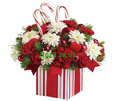 """""""Christmas composition in a box"""" in the online flower shop roza.ck.ua"""