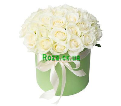 """""""Белые розы в шляпной коробке"""" в интернет-магазине цветов roza.ck.ua"""