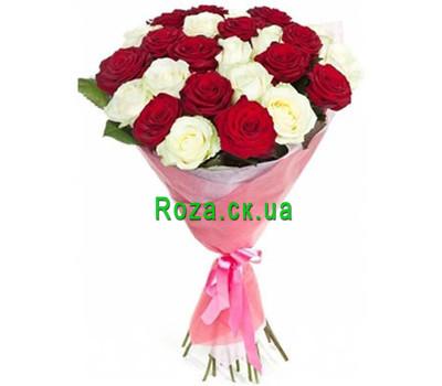 """""""Букет червоних і білих троянд"""" в интернет-магазине цветов roza.ck.ua"""