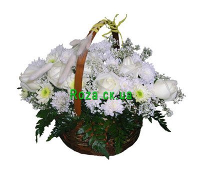 """Basket of chrysanthemums and roses"" in the online flower shop roza.ck.ua"