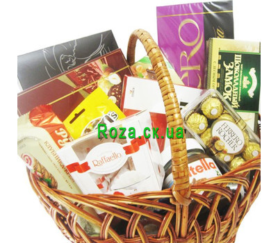 """Basket of sweets"" in the online flower shop roza.ck.ua"