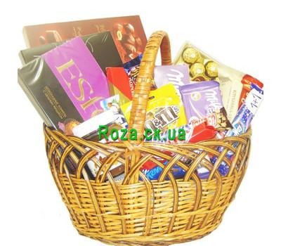 """""""Корзина сладостей с конфетами и шоколадом"""" в интернет-магазине цветов roza.ck.ua"""