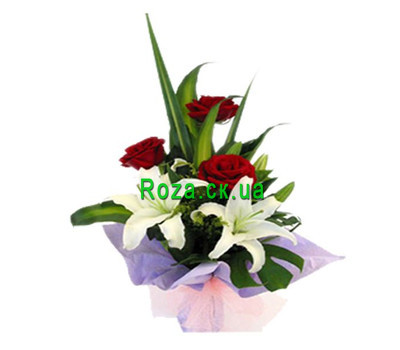 """A small bouquet of roses and lilies"" in the online flower shop roza.ck.ua"