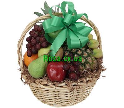 """""""Popular fruit basket"""" in the online flower shop roza.ck.ua"""